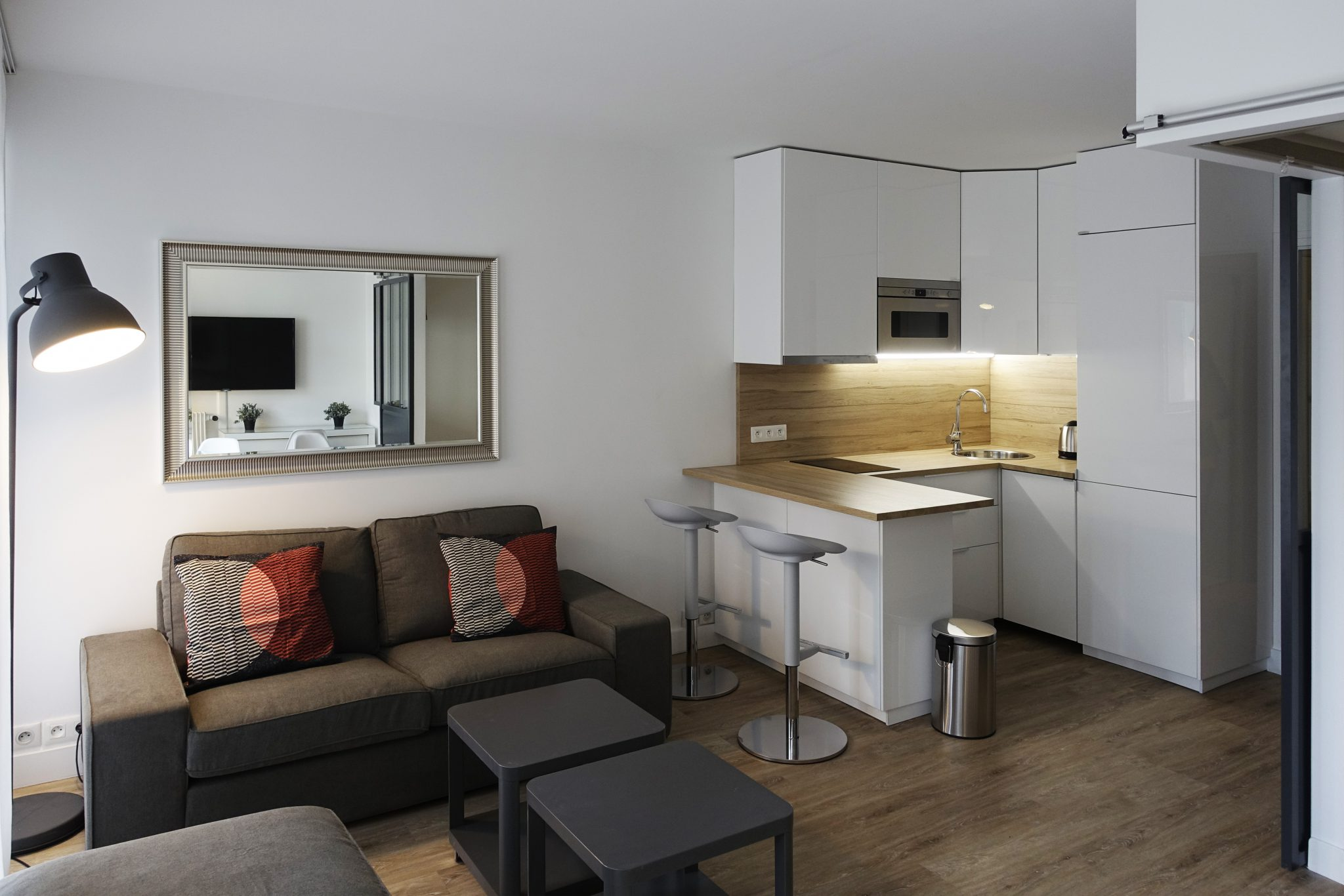 mozart ranelagh paris 16e parisian studio. Black Bedroom Furniture Sets. Home Design Ideas