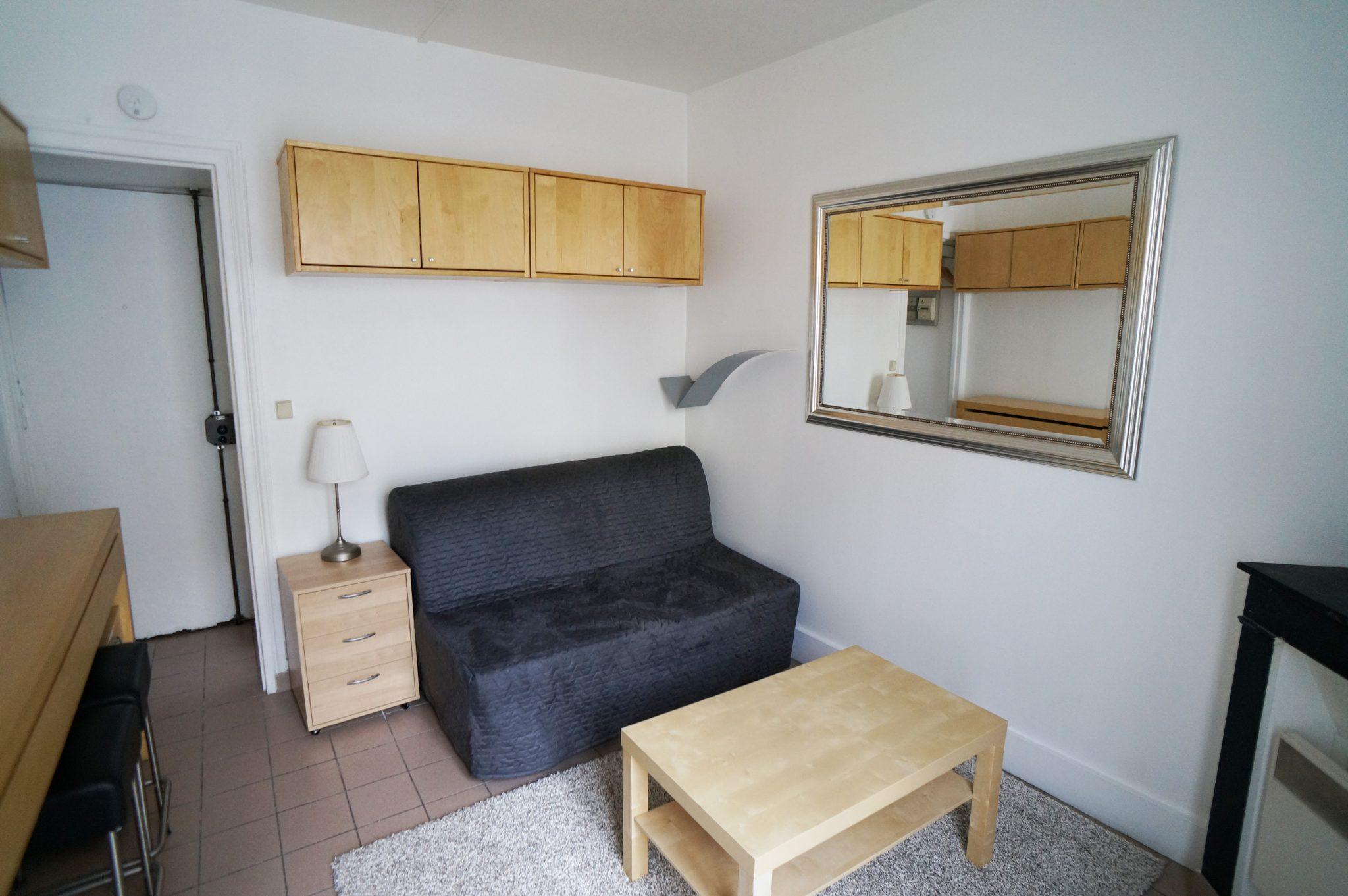 Clichy Capron N 105 Paris 18e Parisian Studio